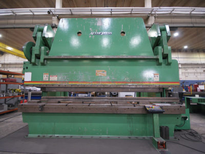Futuramic Equipment - ACCUPRESS PRESS BREAK - 1,000 ton
