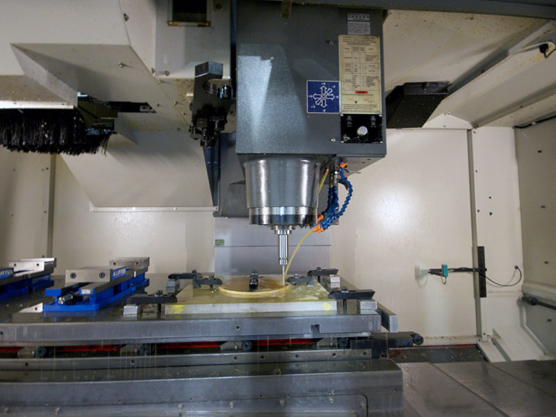 Futuramic Equipment - YCM VERTICAL MACHINING CENTER
